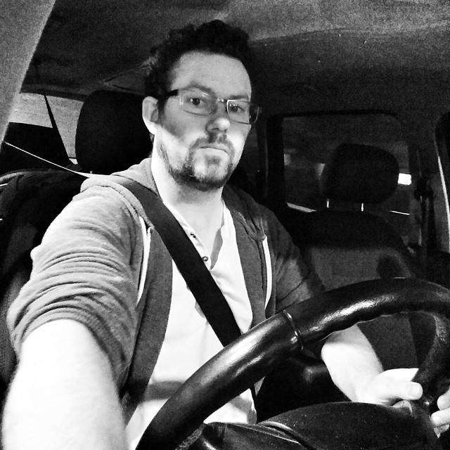This parking manoeuvre called for an awkward #ParkingSelfie #ForNoReasonAtAll #POTD