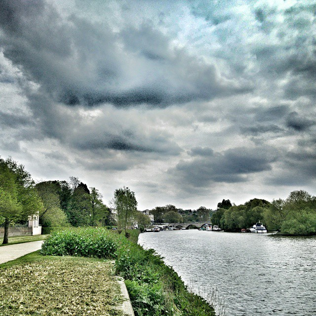 Walk to Richmond from Kew this afternoon along the river. #POTD