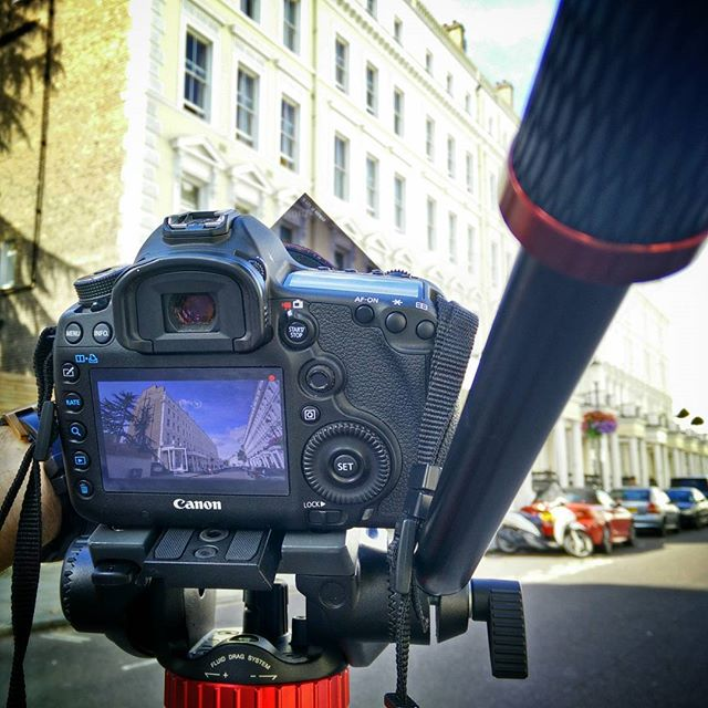 framing up and shooting on a #Canon #5DmkIII #manfrotto #kensington #LeeAbbeyLondon #POTD