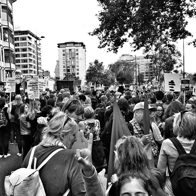 Still on #ParkLane, it's a slow moving march. #RefugeesWelcome #POTD