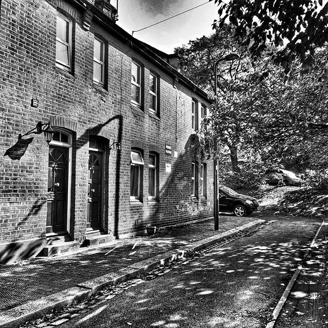 This could be anywhere in England. #RectoryRoad #ActonStreets #Contrast #POTD