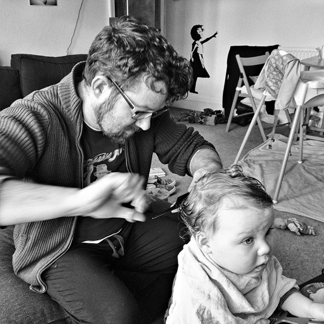 Oisín's #FirstHaircut by daddy. (Also Daddy's first attempt of cutting hair) part 1 of 4 #GrowingUp #twinsofinstagram #POTD
