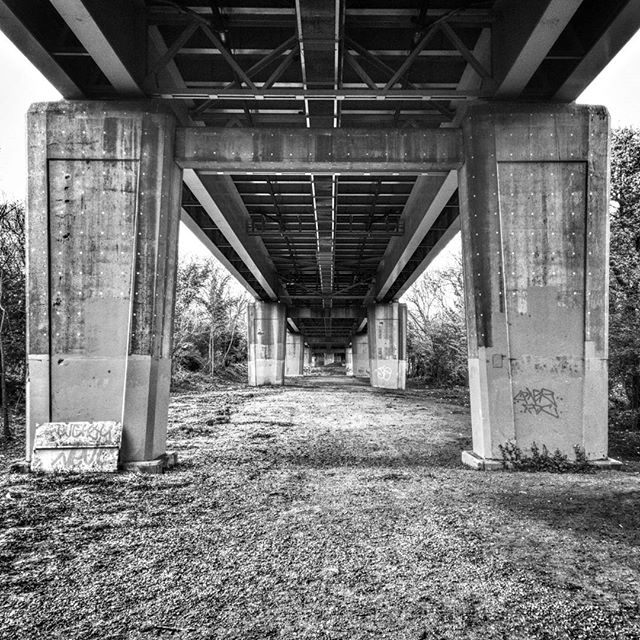 While out on a #Mentoring session with @samuelthwaites we visited one of my old haunts under the M4 in #BostonManorPark #symetry #architecture #UnderTheBridge #HDR #contrast #BlackAndWhite #POTD
