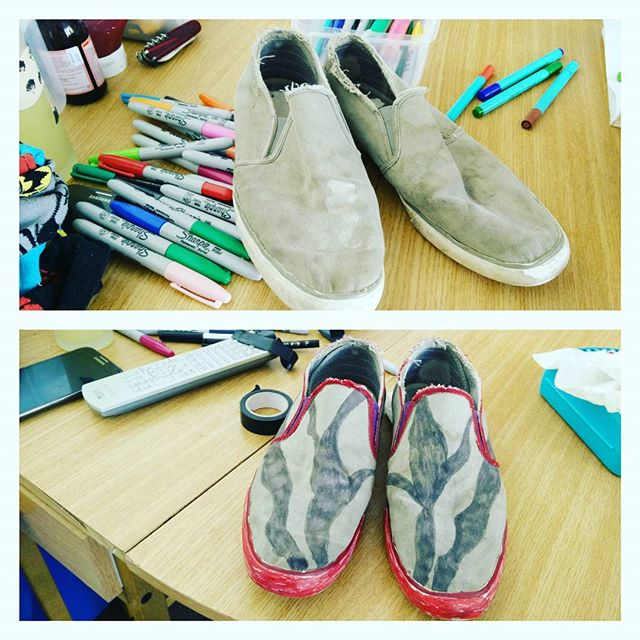 #CraftProject of the day: #ShoeMakeOver #upcycling #sharpies #POTD